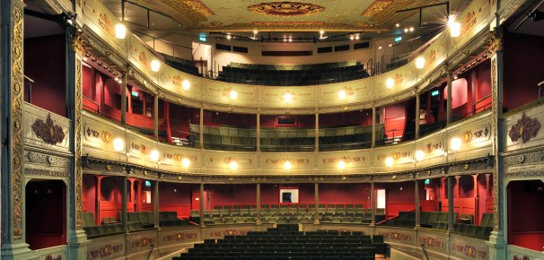 Bristol Old Vic - auditorium 1 - photo by Philip Vile press web 3